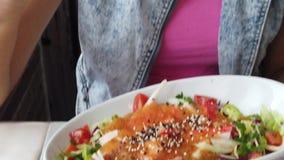 Salada japonesa do surimi vídeos de arquivo