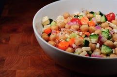 Salada mediterrânea do grão-de-bico Foto de Stock Royalty Free