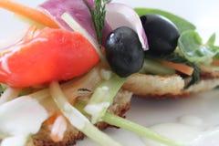 Salada no pão Imagens de Stock Royalty Free