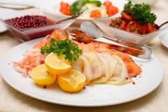 Salada no prato cerâmico Fotografia de Stock