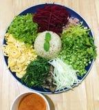 Salada picante do sul tailandesa do arroz com vegetais Foto de Stock