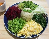 Salada picante do sul tailandesa do arroz com vegetais Imagem de Stock Royalty Free