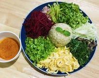 Salada picante do sul tailandesa do arroz com vegetais Foto de Stock Royalty Free