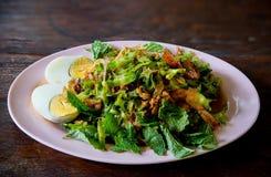 Salada picante e ácida do feijão de asa foto de stock royalty free