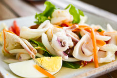 Salada picante tailandesa do marisco Imagens de Stock Royalty Free