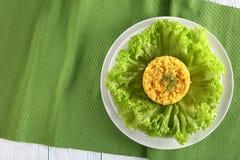 A salada saboroso do queijo igualmente chamou o belochka imagem de stock