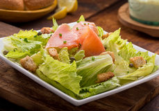 Salada salmon fumada Fotos de Stock Royalty Free