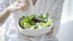 Salada saudável video estoque