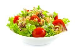 Salada saudável com fritos de pão fotos de stock