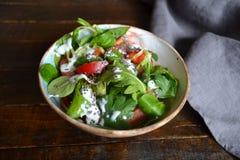 Salada saudável com iogurte fotografia de stock royalty free