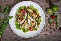 Salada tailandesa com cenoura, tomate, macarronete de vidro, Imagens de Stock Royalty Free