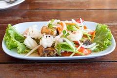 Salada tailandesa do marisco fotografia de stock