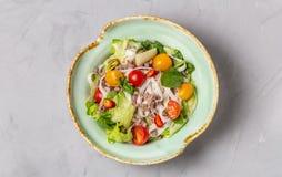 Salada tailandesa picante com os macarronetes da carne picada e de arroz Opini?o de Yam Woon Sen The da parte superior C?pia-espa imagens de stock royalty free