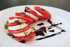 Salada tradicional de Caprese Fotografia de Stock Royalty Free