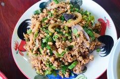 Salada triturada picante da carne de porco, erva-benta triturada da carne de porco com picante Imagens de Stock
