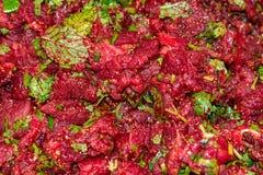 Salada triturada tailandesa picante crua da carne, cultura do nordeste do alimento de Tailândia foto de stock royalty free