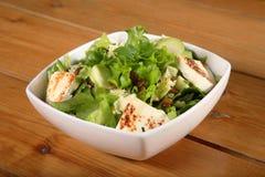 Salada verde com queijo foto de stock