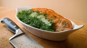 Salada verde em uma bacia Fotos de Stock Royalty Free