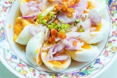 Salade épicée d'oeufs à la coque Photographie stock libre de droits