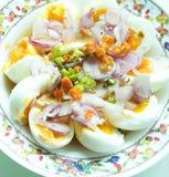 Salade épicée d'oeufs à la coque Images libres de droits