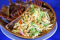 Salade épicée d'oeufs de crabe en fer à cheval Photographie stock libre de droits