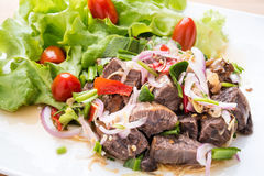Salade épicée de boeuf d'été thaïlandais Photographie stock