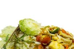 Salade épicée de noix de coco de la Thaïlande avec les oeufs salés Image libre de droits