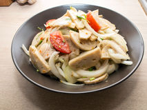 Salade épicée de saucisse vietnamienne Images stock