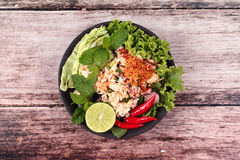 Salade aigre épicée de crabe avec le légume, laboratoire Poo d'appel Image libre de droits