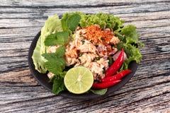 Salade aigre épicée de crabe avec le légume, laboratoire Poo d'appel Photographie stock libre de droits