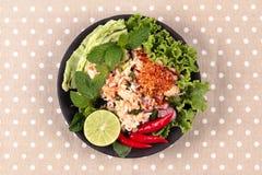 Salade aigre épicée de crabe avec le légume, laboratoire Poo d'appel Photos stock