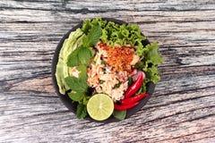 Salade aigre épicée de crabe avec le légume, laboratoire Poo d'appel Photo libre de droits