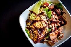 Salade avec BBQ Sause Photo libre de droits