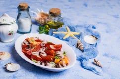 Salade avec des fruits de mer photos libres de droits