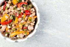 Salade avec des haricots blancs Image libre de droits