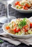 Salade avec du riz et le thon Photos stock