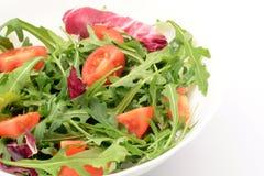 Salade avec l'arugula et les tomates-cerises images stock