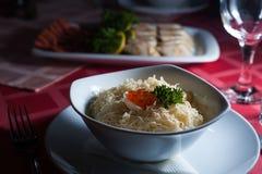Salade avec le caviar Images stock