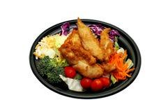 Salade avec le poulet à emporter Photo stock