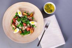 Salade avec le thon Photo libre de droits