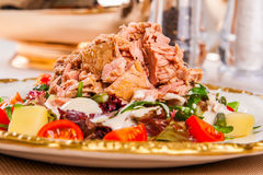 Salade avec le thon Photo stock