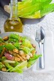Salade ceasar faite maison fraîche Photos stock