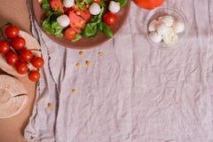 Salade colorée d'été Photographie stock