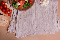 Salade colorée d'été Photographie stock libre de droits