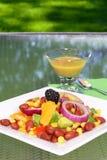 Salade d'haricot avec la rectification de moutarde images stock