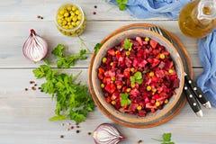 Salade de betterave - Vinaigrette Cuisine de Vegan image stock