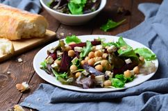 Salade de betteraves et de pois chiche Photo libre de droits