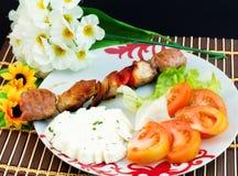 Salade de brochette et de tomate images stock