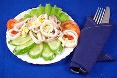 Salade de calmar avec l'oeuf Image stock