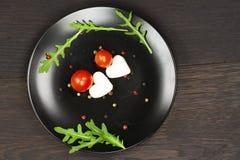 Salade de Caprese avec du mozzarella Photographie stock